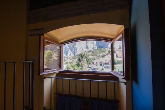 Vista Complejo Turístico La Garganta tu balcón al Caminito del Rey | @lagarganta.com