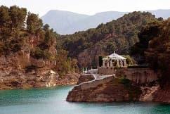 Conde Del Guadalhorce Complejo Turistico La Garganta, Tu balcón al Caminito del Rey | @lagarganta.com