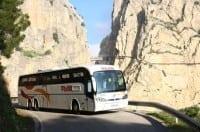 Autobús lanzadera que lleva al Caminito del Rey