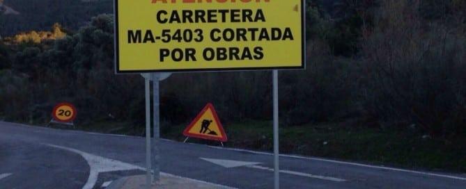 Carretera-cortada-chorro-800x600