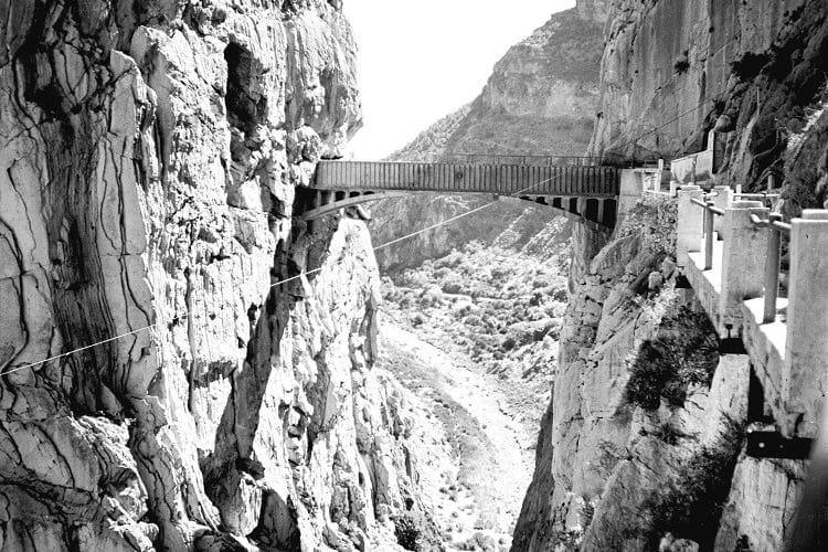 Puente-del-ingeniero-Eugenio-Rivera1