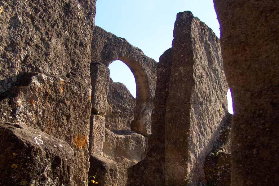 Iglesia Rupestre de Bobastro, interior de la nave prinicpal